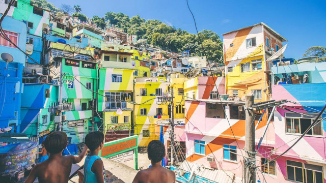 Favela colors